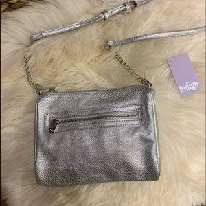 Beautiful Vegan Silver Shoulder/Crossbody Bag